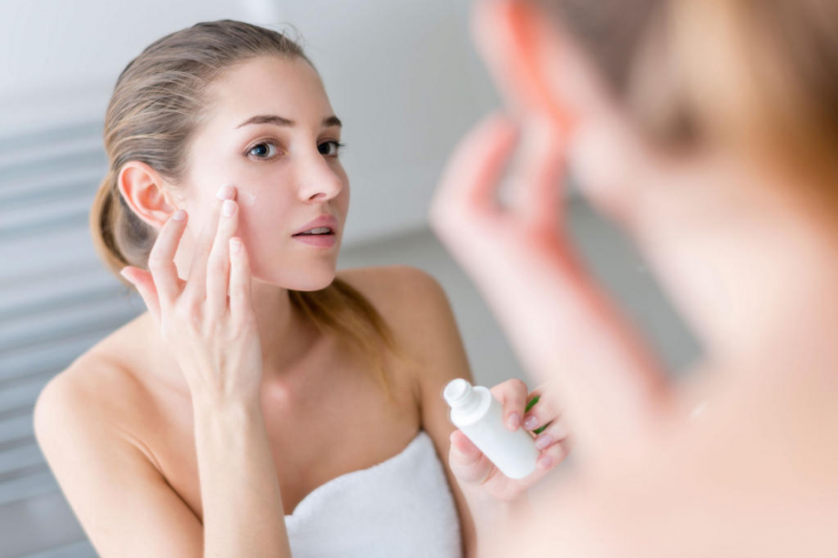 Best Night Skin Care For Acne-Prone Skin